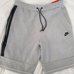 Nike Men's Tapered Shorts Sz XL **Brand New**